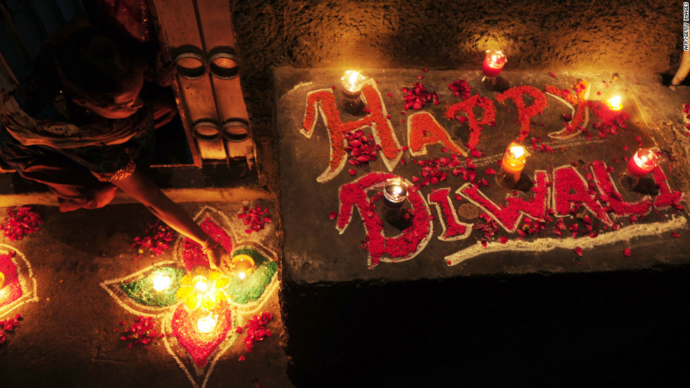 what is divali Diwali, or the festival of light, is a hindu festival celebrated all over the world by  hindus and the indian diaspora.